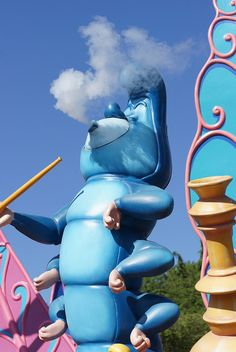 Hookah-Smoking Blue Caterpillar in Alice's Curious Labyrinth at Disneyland Paris #DLRP #DLP #Disney