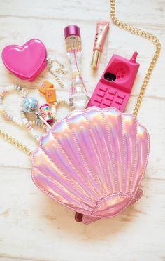 whats in my handbag pink skinnydip london seashell handbag