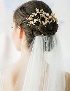 #wedding#weddinghairaccessories#hairaccessories #weddinghairs#wedding hairaccessoriesonline#bridalhairaccessories#flowers#vintage#cheap weddinghairaccessories#bridalhaicombs#diyweddinghaircomb