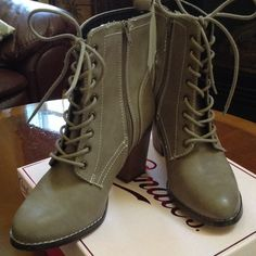 NWT Candie's ankle Boots sz10 taupe color Lace up front , zips on side, 3 1/2 inch heel . Great boot!!!!! Candie's Shoes Ankle Boots & Booties