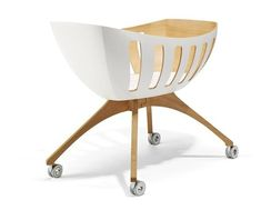 Windowed Baby Cradles - The Lavi Cruiser Bassinet is Contemporarily Airy (GALLERY)