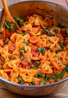 Slimming Eats - Slimming World Recipes Sausage Tomato and Spinach Pasta Slimming World # Slimming World Dinners, Slimming Eats, Slimming World Recipes, Slimming World Pasta Dishes, Healthy Dinner Recipes, Healthy Snacks, Healthy Eating, Cooking Recipes, Tasty Meals