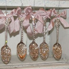 Check out this Rhinestone spoon ornaments collection shabby chic Christmas decor. - Check out this Rhinestone spoon ornaments collection shabby chic Christmas decorations embellished - Shabby Chic Crafts, Shabby Chic Homes, Shabby Chic Decor, Victorian Christmas, Pink Christmas, Christmas Tree Ornaments, Christmas Palace, Vintage Christmas, Christmas Things