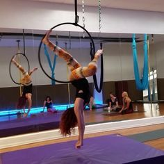 A clip from today's Lyra class at @aeriformarts with @leighacosta #lyra #hoop #aerialhoop #aerial #aerialist #straddle #strength #strong #aeriformarts