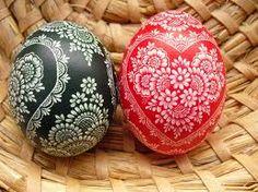 Polish Easter Eggs - pisanki, skrobanki, kraszanki No. Polish Easter, Paint Drop, Holiday Fun, Holiday Decor, Ukrainian Easter Eggs, Carving Designs, Egg Art, Egg Decorating, Christmas Bulbs
