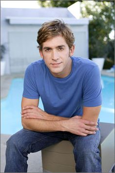 Eric Szmanda... Without a doubt, my favorite guy on television... The perfect balance of cute & TOTAL nerd!