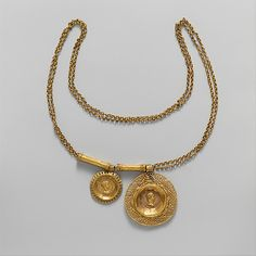 Gold necklace with coin pendants Period: Late Imperial Date: century A. Culture: Roman Medium: Gold necklace with coin pendants Roman Jewelry, Old Jewelry, Modern Jewelry, Jewelry Art, Antique Jewelry, Vintage Jewelry, Medieval Jewelry, Ancient Jewelry, Coin Pendant