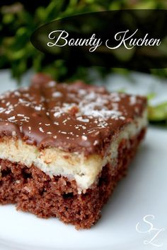 Recipe for bounty cake - No Bake Desserts Chocolate Sweets Cake, Cupcake Cakes, Bounty Cake, Baking Recipes, Cake Recipes, Sweet Bakery, Roasted Almonds, Cake Cookies, No Bake Cake