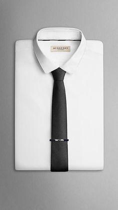 Burberry Blue Silk Twill Tie for men Diamond And Silk, Tie And Pocket Square, Pocket Squares, Gentleman Style, Casual T Shirts, Silk Ties, Well Dressed, Menswear, Mens Fashion
