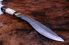 Damastmesser Kukri Damast Shops, Damascus Knife, Knives, Damasks, Knifes, Tents, Retail, Knife Making
