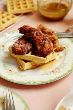 Joy the Baker make gluten-free chicken and waffles with chickpea flour. Fried Chicken Coating, Vegan Fried Chicken, Fried Chicken And Waffles, Gluten Free Chicken, Baked Chicken, Waffle Recipes, Kid Recipes, Fall Recipes, Waffle Ingredients