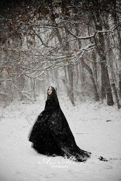 Ice Princess fantasy winter photoshoot. Copyright Angela McCurry Photography.