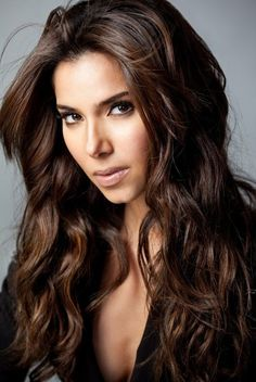 Sanchez Roselyn Sanchez is so fierce in this photoshoot.i love this photo of her via blaje.Roselyn Sanchez is so fierce in this photoshoot.i love this photo of her via blaje. Chocolate Brown Hair Color, Brown Hair Colors, Hair Colour, Chocolate Hair, Corte Y Color, Hair Color For Women, Light Brown Hair, Dark Brown, Golden Brown