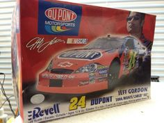 Revell Jeff Gordon DUPONT #24 Monte Carlo NASCAR 1/24th Model Kit  2006 #Revell