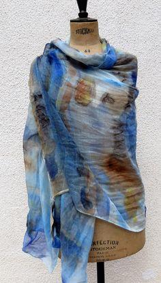 Arte da vivere: Sciarpa o pareo in cotone dipinta a mano.Ancora i...