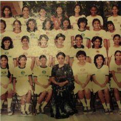 who is Aishwarya Rai here :) Aishwarya Rai Photo, Aishwarya Rai Bachchan, Amitabh Bachchan, World Most Beautiful Woman, Most Beautiful Indian Actress, Beautiful Places, Vintage India, Actress Wallpaper, Rare Images