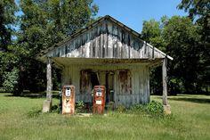 Hinsonton GA – Vanishing South Georgia Photographs by Brian Brown