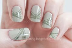 Nailspotting: Nail Art - Essie Playa del Platinum and Sew Psyched