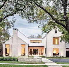 Modern Farmhouse Design, Modern Farmhouse Exterior, Rustic Farmhouse, Farmhouse Style, Farmhouse Ideas, Modern Home Exteriors, Craftsman Exterior, Modern Barn, Craftsman Style