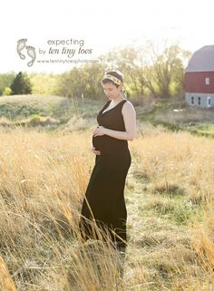 maternity photography in a field
