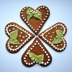 Gingerbreads decorated with royal icing Gingerbread Cookies, Christmas Cookies, Royal Icing Decorations, Cake Cookies, Holiday Ideas, Delish, Cakes, Decorating, Cooking