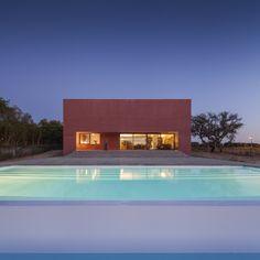 Três Casas Pátio / Miguel Marcelino