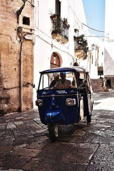 Mini Taxi in Ostuni, Brindisi, Puglia, Italy | how cute! (Bajaj masuk itali)