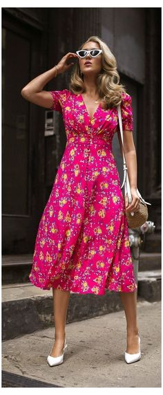 Dress With Sneakers, Dress With Boots, Casual Sneakers, Dress Shoes, Shoes Heels, Trendy Dresses, Casual Dresses, Formal Dresses, Casual Midi Dress