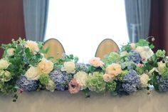 夏の装花 如水会館様へ 時間の中でできること メインテーブル