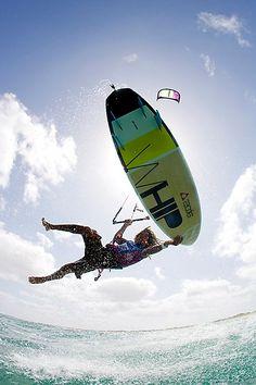 kitesurfing freestyle