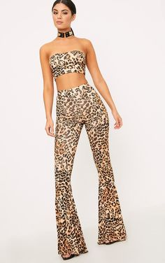 Brown Slinky Leopard Print Flared TrousersKeep it cute in these FIYAHH curve hugging flares. Styl...