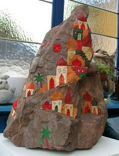 #painted rocks, Bemalter Naturstein by ateliercalmont,