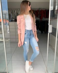 Pink blazer and jeans - ChicLadies.uk Best Picture For dope outfits For Your Taste You are looking f Blazer Outfits Casual, Business Casual Outfits, Cute Casual Outfits, Simple Outfits, Stylish Outfits, Emo Outfits, Fashion Mode, Winter Fashion Outfits, Punk Fashion