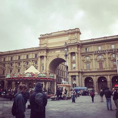 Florence Italy European Destination, Florence Italy, B & B, Louvre, Building, Instagram Posts, Travel, Beauty, Fashion
