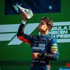 Italian Grand Prix, Daniel Ricciardo, F1 Drivers, Formula One, Funny Pictures, Racing, Photoshoot, Baseball Cards, Celebrities