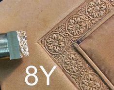 Consultez des articles uniques chez LeatherStampsTools sur Etsy, une place de marché internationale réservée au fait main, au vintage et aux choses créatives.