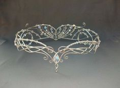 Beautiful Celtic headpiece. The bead and width is very beautiful and elegant.