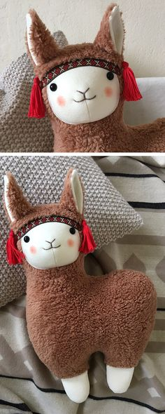 Großes Lama #Kuscheltier als #Geschenkidee für Kinder / big soft toy in shape of a #lama, gift idea for kids made by Petit Panda via DaWanda.com