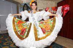 ¿Rodadita…? ¡Rodadona fue la que se pegó la gente del Huila…! | Reinas Cartagena 2013 | Reinas 2013