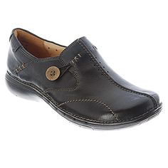 Bought my pair in Banbury, England (2015)...the most comfy pair of walking shoes EVER! Clarks Un.Loop Black Leather