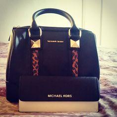 ✌ So Pretty ✌▄▄▄▄▄▄▄▄▄▄▄▄▄▄▄▄▄▄▄▄▄▄ Michael Kors Handbags Value Spree: Deluxe Women 3 Piece Bags Set only 99
