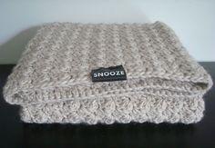 Crochet beige bulky (baby)blanket
