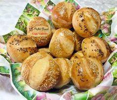 Chifle cu smantana si unt Pretzel Bites, Baked Potato, Hamburger, Gem, Potatoes, Bread, Baking, Ethnic Recipes, Food