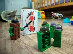 A collection of funny LEGO pictures and memes. Lego Humor, Lego Memes, Lego Army, Lego Military, Legos, Funny Images, Best Funny Pictures, Funniest Pictures, Memes Fr