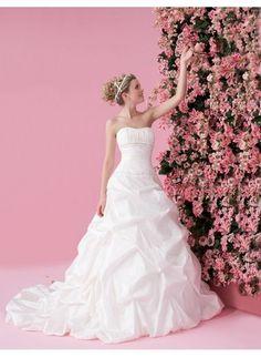Amazing wedding dress!