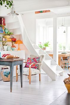 15 Grand Ideas For Small Staircase 6 Small Staircase, Spiral Staircase, Swedish House, Swedish Style, Nordic Style, Home And Deco, Scandinavian Home, Interior Exterior, Kitchen Interior