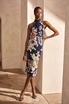 The Alysha Embellished Floral Cocktail Dress presents Ralph Lauren's floral motif with hued micro-sequins, creating an intricate, textural effect with a hint of sparkle. Day Dresses, Evening Dresses, Embellished Skirt, Cashmere Jacket, Floral Denim, Ralph Lauren Collection, Weekender, Floral Motif, Casual Chic