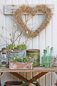 Notice the 'easter egg' tree. Vibeke Design, Decor Scandinavian, Swedish Decor, Deco Floral, Easter Crafts, Easter Ideas, Vintage Decor, Plant Hanger, Spring Time