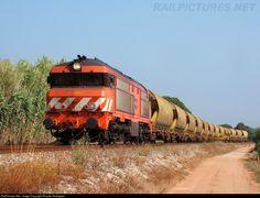 RailPictures.Net Photo: CP 1909 Caminhos de Ferro Portugueses Alsthom/Sorefame 1900 at Leiria, Portugal by Ricardo Rodrigues