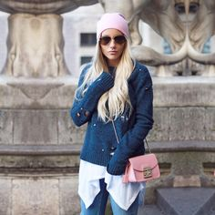 Christina Biluca wearing our DELLY AZ pullover Cosy Winter, Winter Day, A Spoonful Of Style, Neue Outfits, Mode Chic, Sweater Weather, Casual Looks, Girl Fashion, Street Style